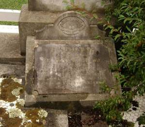 Memorial to Bertie Stibbard, Orange Cemetery. Image courtesy Elizabeth Griffin.