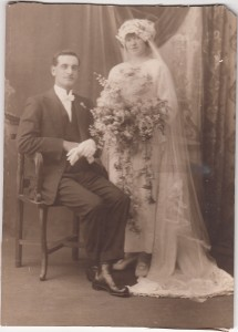 Cecil John Jacobs and Mabel Doris Langham on their wedding day in 1921.  Image courtesy Cheryl Scott (McCarthy).