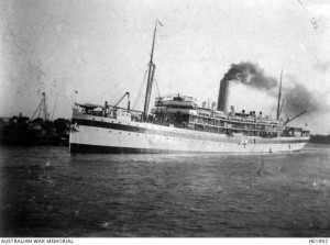 HMAT Kyarra sailing down the Brisbane River, November 1914. Image courtesy Australian War Memorial.