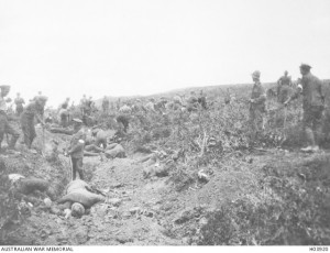 Australian burial parties burying Australian and Turkish dead during the armistice, 24 May 1915. Image courtesy Australian War Memorial.