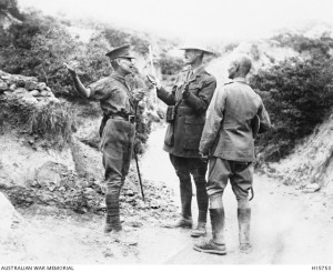 Sir Alexander John Godley (centre) confers with fellow generals Sir Harry Chauvel and William Riddell Birdwood, Gallipoli, 1915. Image courtesy Australian War Memorial.
