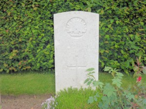 William George Chrystall headstone, Contay British Cemetery, France. Image courtesy Sharon Hesse.