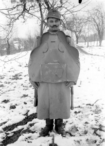 Austrian soldier in body armour, Bukovina Province, 1915. Image courtesy photosofwar.net.