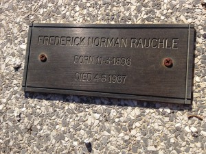 Frederick Norman Rauchle's headstone, Orange Cemetery. Image courtesy Lynne Irvine.