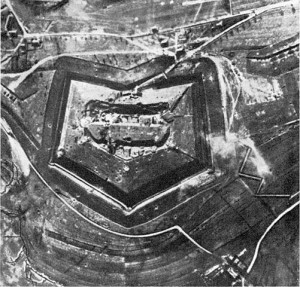 The Fort of Douaumont 1916. Image courtesy Photographisches Bild-und Film-Amt.