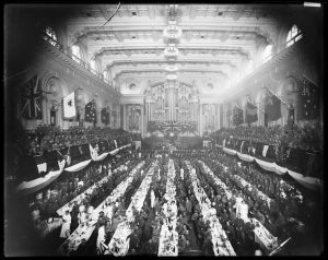 Returned soldiers dinner, Town Hall, Sydney, Anzac Day 1916. Image courtesy State Library of NSW.