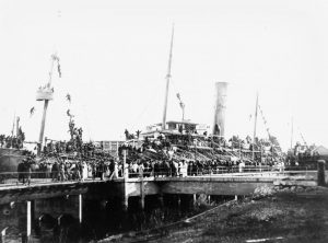 HMAT Seang Bee leaving Brisbane, 21 October 1915. Image courtesy John Oxley Library, State Library of Queensland Neg: 82596