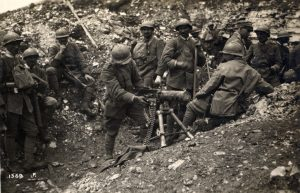 Italian troops with a captured Austrian machine gun during the Seventh Battle of the Isonzo. Image courtesy Italian Army Historic Photogallery. http://www.esercito.difesa.it/comunicazione/pagine/elenco-gallerie.aspx